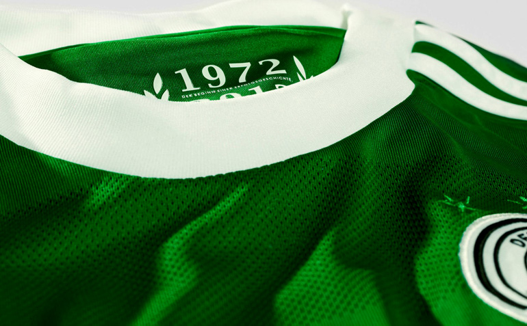 Németország - Visszatér a szerencsés zöld mez  046a7cb6cf