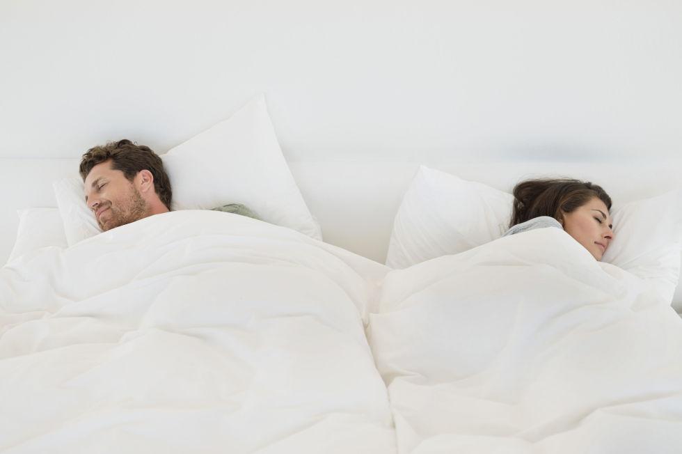 Alvópózok amik mindent elmondanak a párkapcsolatodról 6