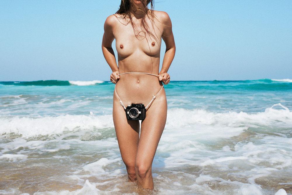 AbsoluGirl - Voyeur cabine de la plage 7 - Video sexy