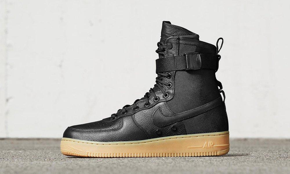 A Nike Tökös Lépővel Jön Katonai Nagyon Ballisztikus Karácsonyra IeEH29YWD
