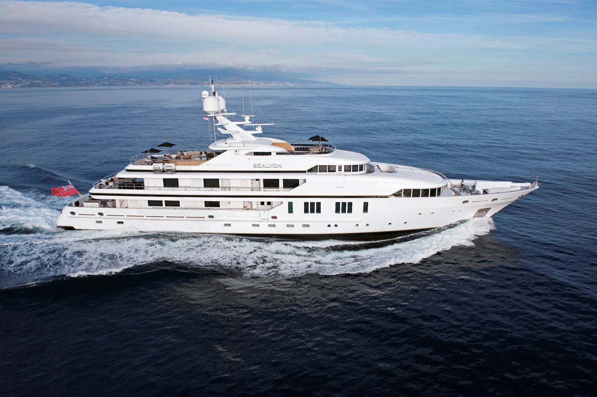luxury, yacht, billionaire, jacuzzi, highlife, luxurious, ocean, sunshine, party,