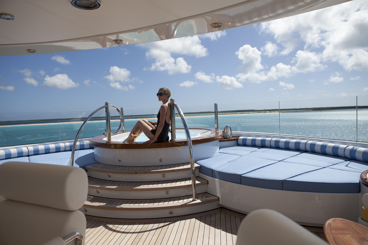 luxury, yacht, billionaire, jacuzzi, highlife, luxurious, ocean, sunshine, party, oasis