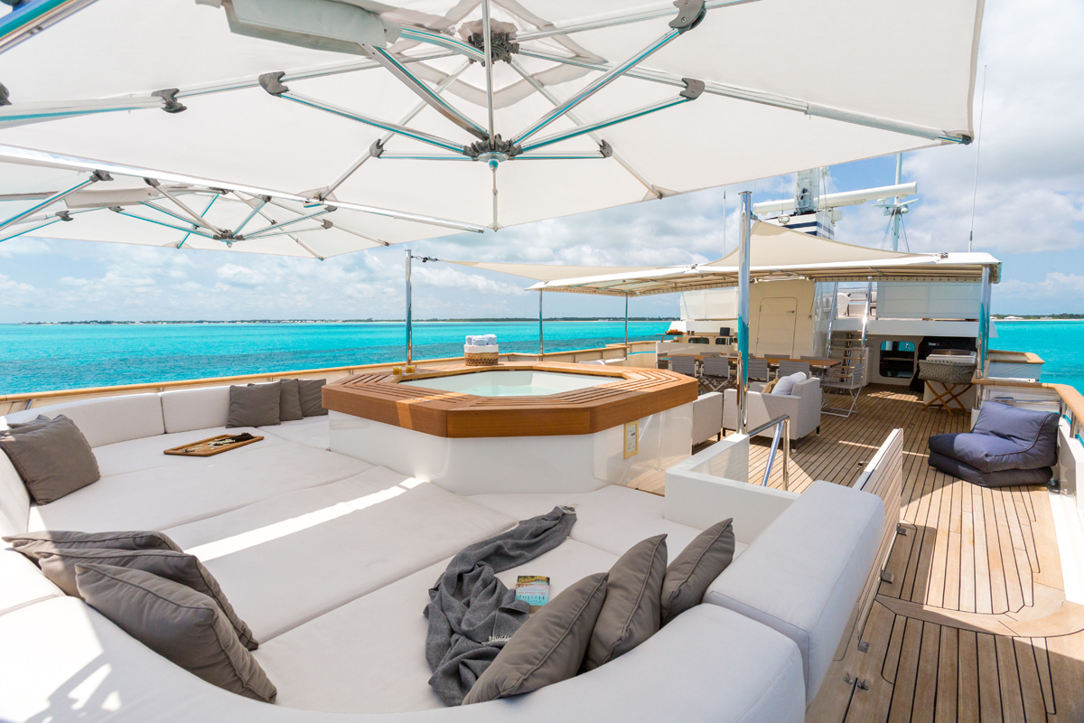 luxury, yacht, billionaire, jacuzzi, highlife, luxurious, ocean, sunshine, party, pioneer