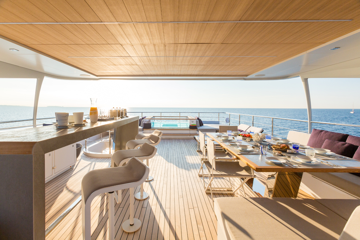 luxury, yacht, billionaire, jacuzzi, highlife, luxurious, ocean, sunshine, party, narvalo