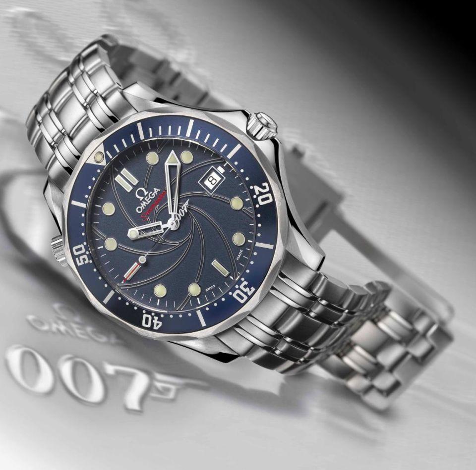 A következő modelleknél sok esetben a 007-es logo a másodperc mutatóra b6540c1a3f