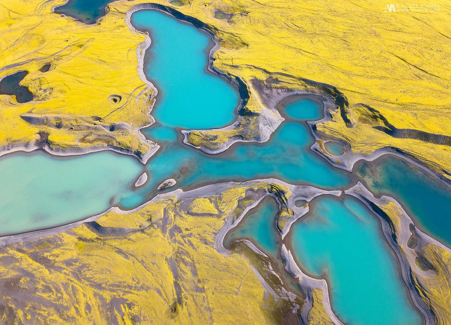 Drónt küldtek Izland rejtett, színes tavai fölé, és a látvány varázslatos