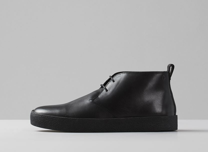 85382e6c55 Nem kell vaskos favágóbakancsra gondolni feltétlenül, ha téli cipőn  agyalunk: ez a fekete Vagabond darab teljesen vízálló és csodásan  galvanizálja a ...