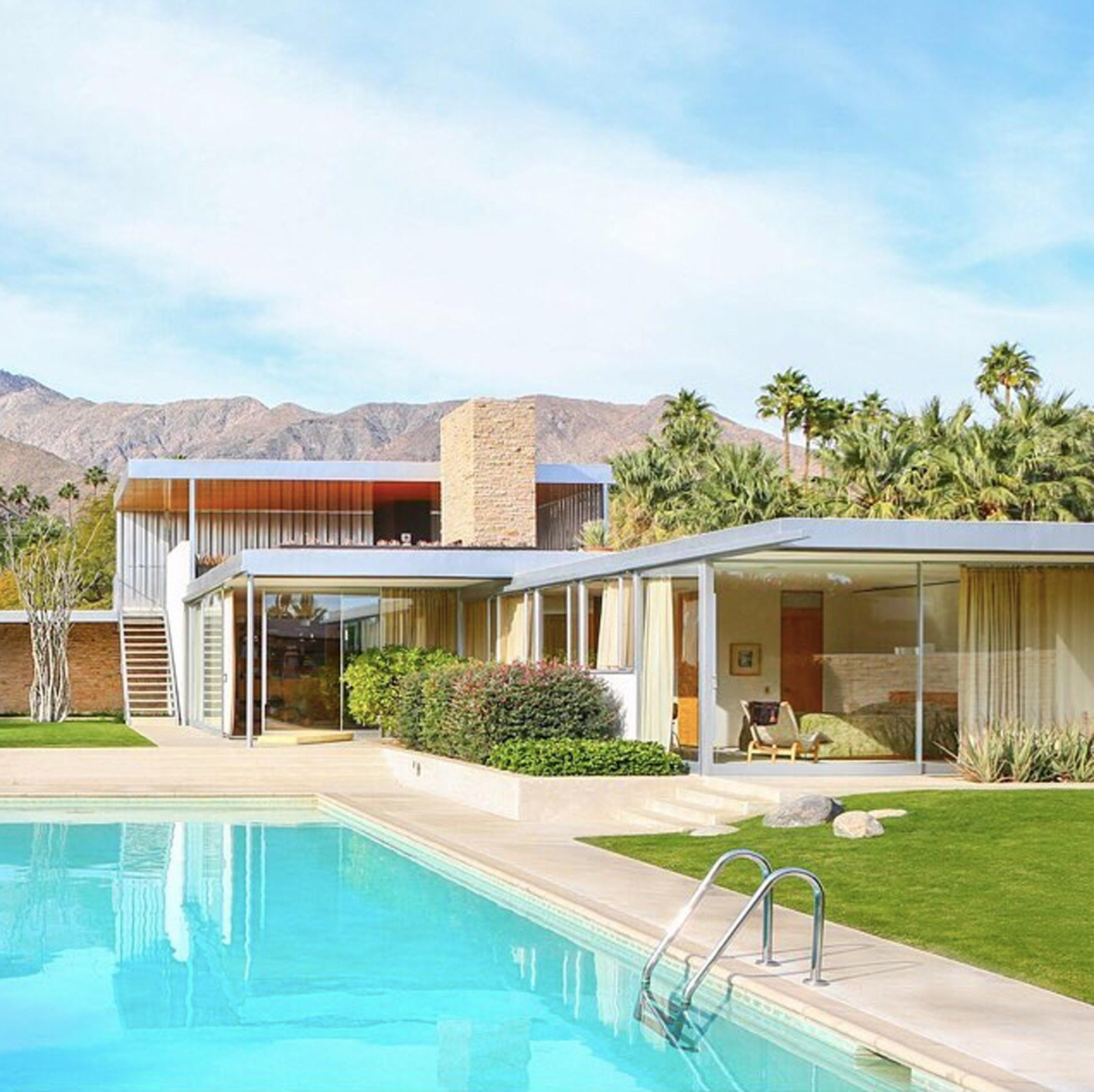 Spotlight On Palm Springs Style Outdoor Areas: Az ötvenes évek Minden Eleganciája átjárja Ezt A Villát