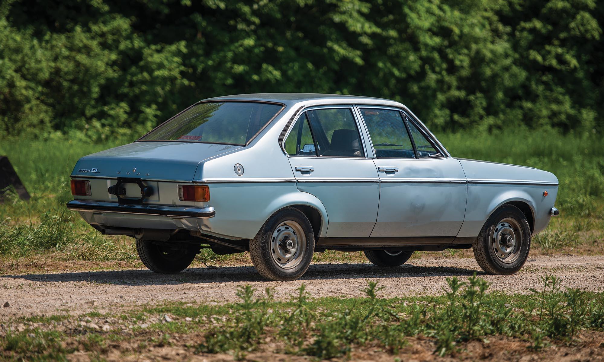 c3c35a14ac ... kinézetű 1100 GL első tulajdonosa ugyanis Karol Wojtyła volt, akit  1978-ban II. János Pál néven választottak pápává. A 48 lóerős motorral  hajtott, ...