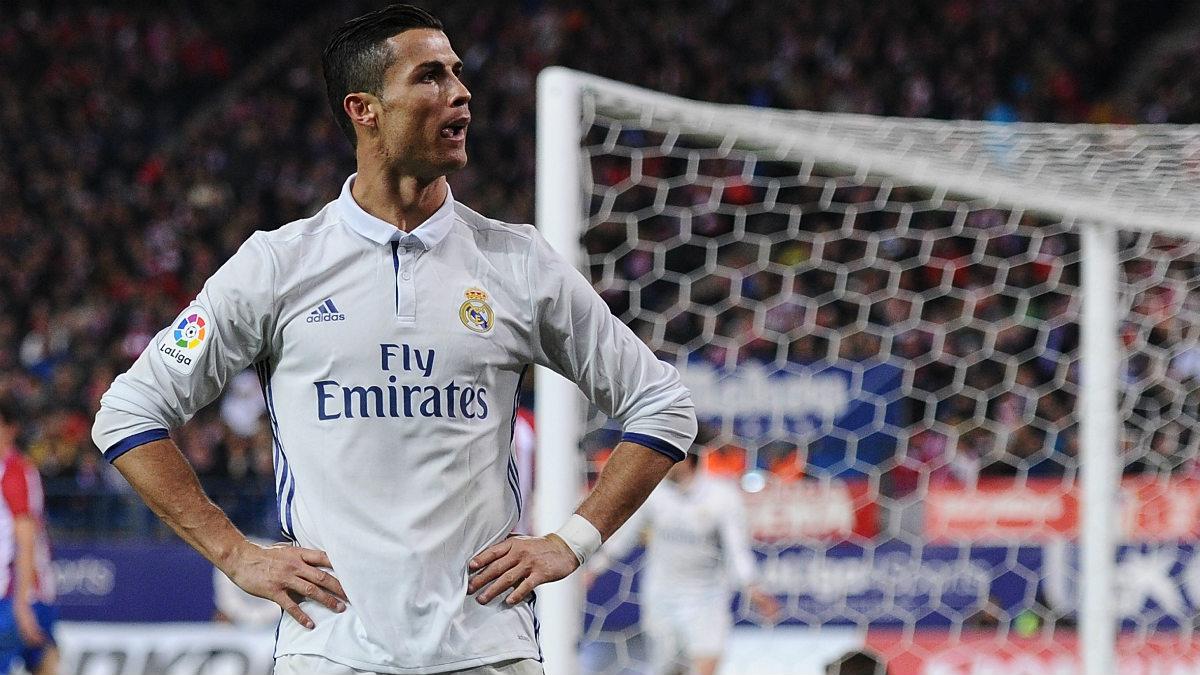 A Fiat dolgozói Cristiano Ronaldo érkezése miatt sztrájkolnak  78a1d0adf5
