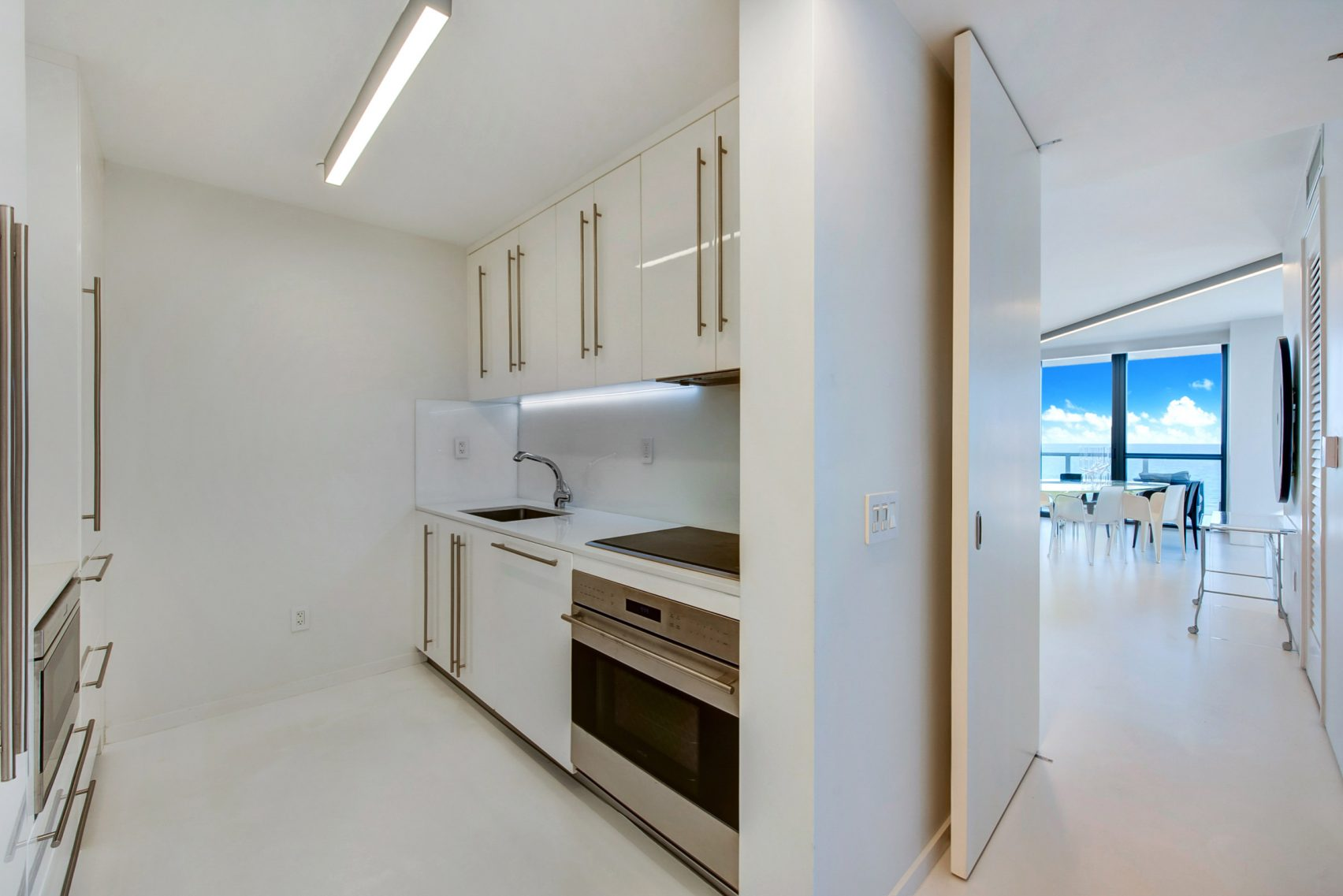 design, luxury, penthouse, american, miami, modern, zaha hadi, beach, architect, villa, billionaire, house, usa, kitchen