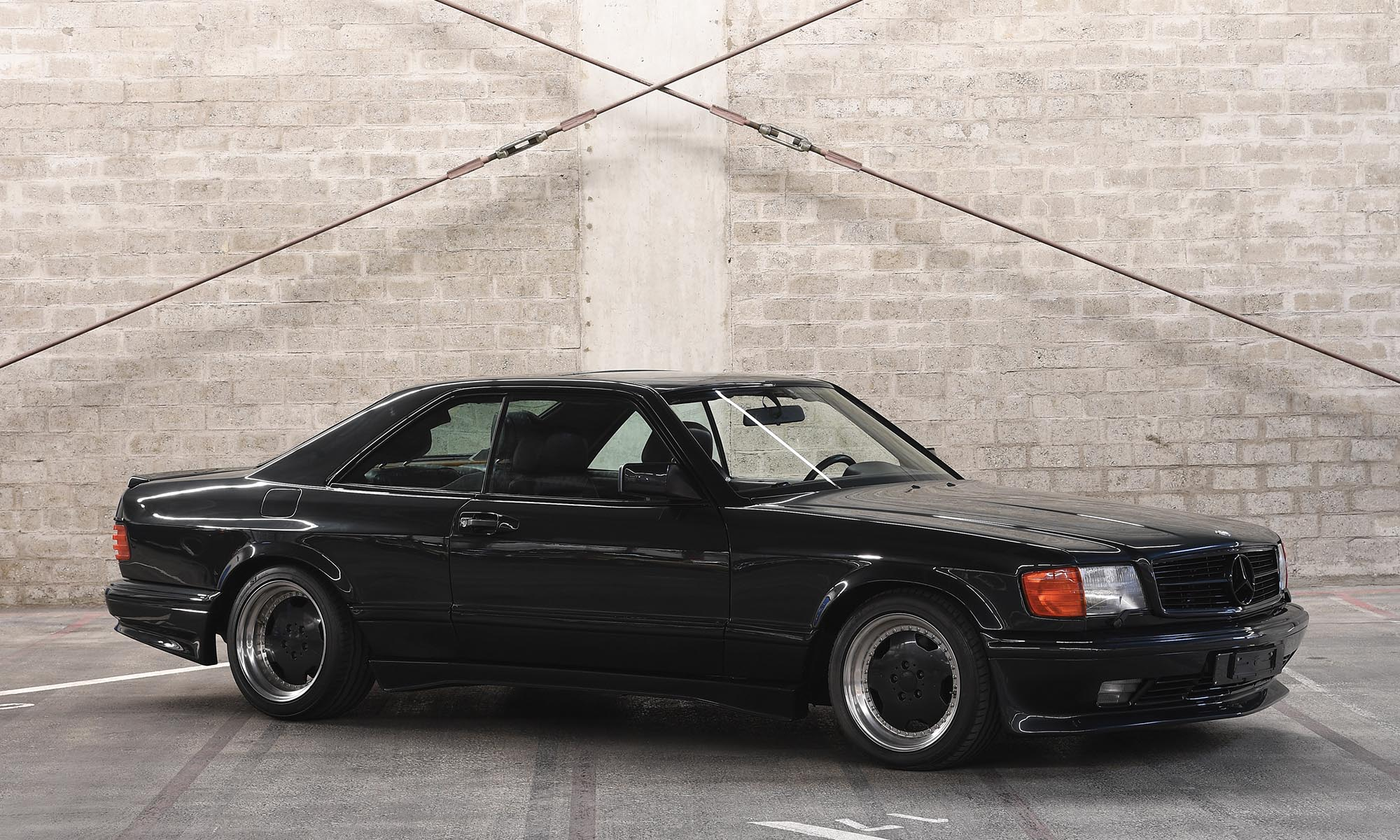 A nyolcvanas évek végén ez az AMG kupé volt a Mercedesek királya