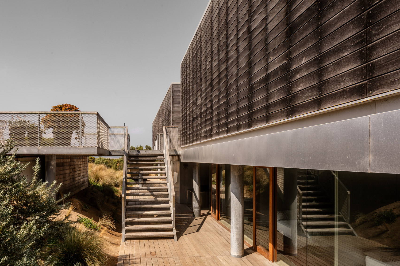 St Andrews Beach Villa, architecture studio, Woods Bagot, weathered seaside house, Australia, Nik Karalis, Mornington, Peninsula, five-bedroom villa, pool, cabana, glasshouse, full-width deck, sea, bestofview, landscape, nature, tophouse, relax, chill out, wood, residence, dreamhome