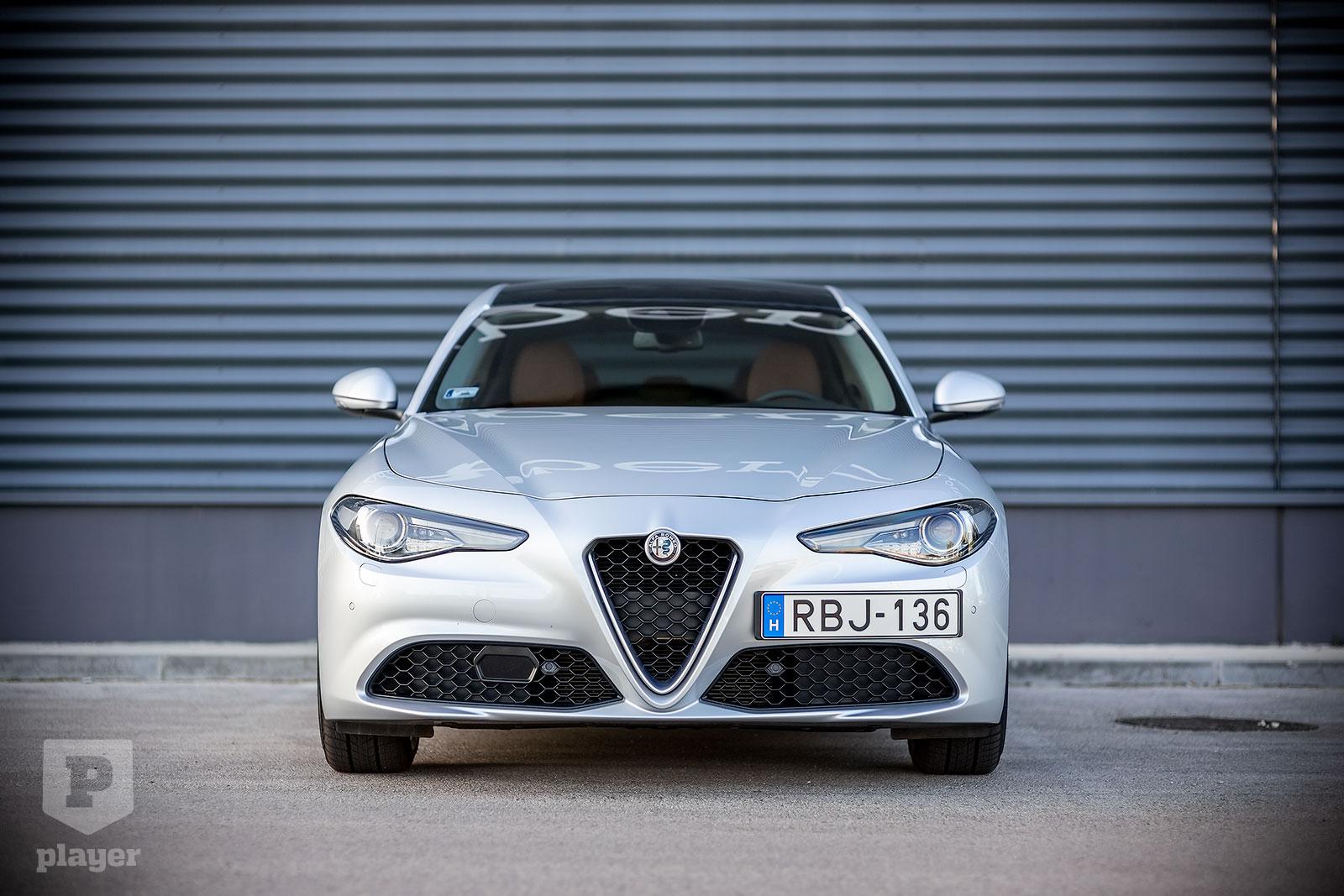 Hátsókerekes, olasz, és nem rajta múlik, olasz is marad-e – Alfa Romeo Giulia 2.0-teszt