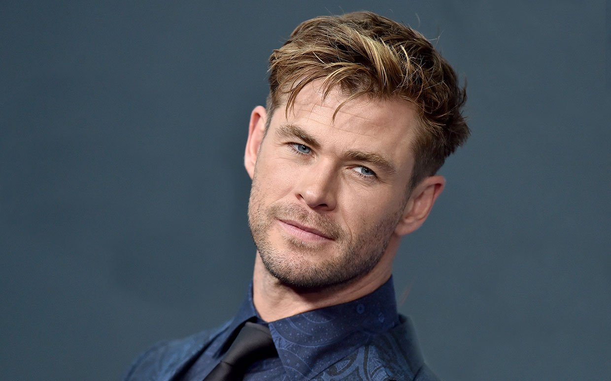 Chris Hemsworth, Bradley Cooper, Paul Rudd, Dwayne Johnson, Robert Downey Jr., Akshay Kumar, Jackie Chan, Adam Sandler, Chris Evans, Will Smith, Nielsen, ComScore, Box Office Mojo, IMDB, actor, List Of The World's Highest-Paid Actors, 2019, Avengers, billionaire, Jumanji, forbes, movie, film, top movie, 2019 movie, popularity, billionaire, money, incoming, top 10, highest paid,