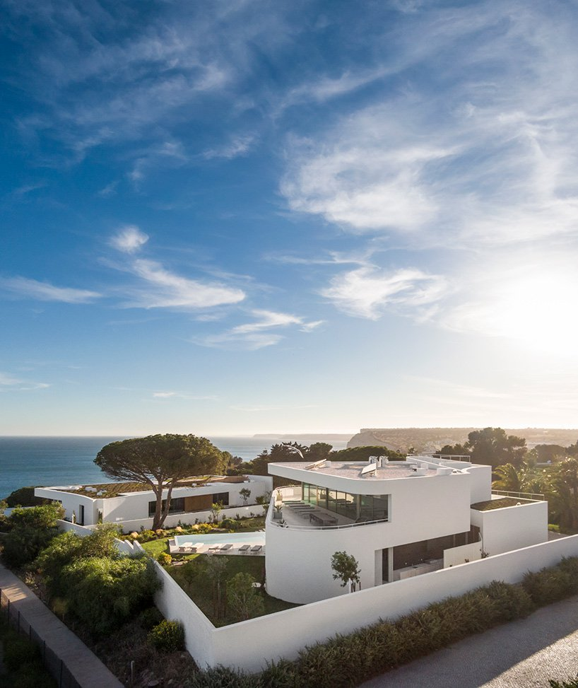 Lux Mare, cliffside, masterpiece, stunning view, architect, luxury builidng, residence, billionaire, lifestyle, home, dreamhome, Algarve, Portugal, gallery, photos, video, youtube, Mário Martins
