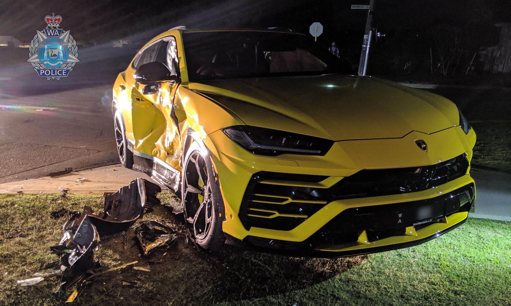 Egy 14 éves srác elkötött egy autót, és azonnal egy Lamborghininek ütközött vele